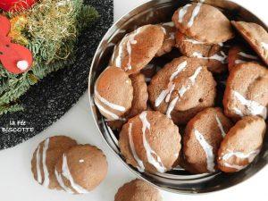 Petits sablées de noël à la pâte d'amande